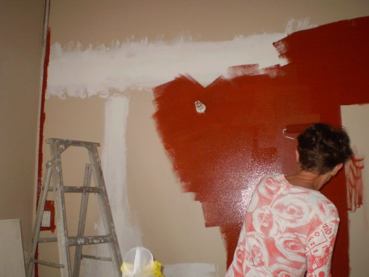 The first thing we did before we moved in was paint a feature wall in the kitchen space. It helped get the creative juices flowing and it was something nice, fresh and clean to OOO and AAAAH over.