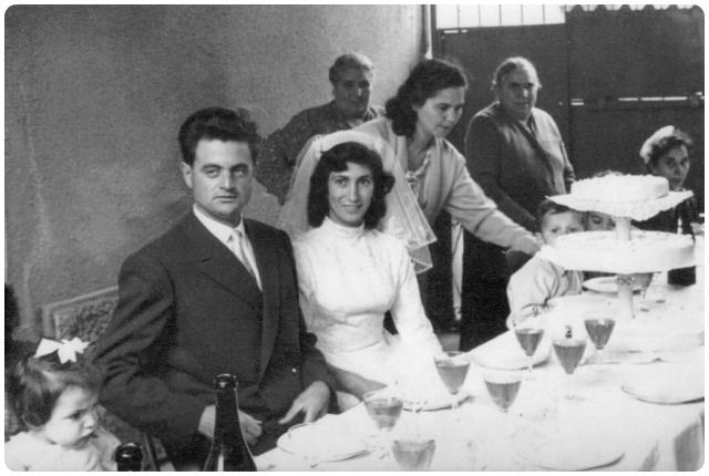 Oggi ci rivolgiamo dunque ai futuri sposi meneghini, proponendo loro una selezione di ristoranti per matrimoni a Milano che offrono, tra i loro valori aggiunti, piatti che si rifanno direttamente alla tradizione culinaria lombarda.