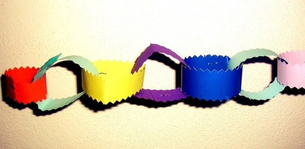 Festone di Carnevale - Festone semplice e colorato per abbellire il nido.