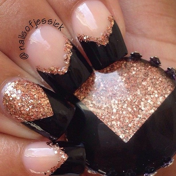 Black Tip nails : new years look