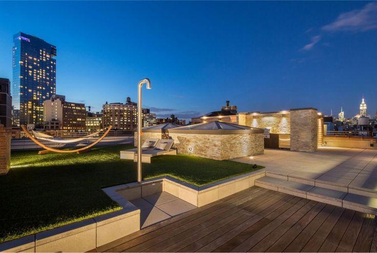 Essence of Soho: Luxurious Combination of Indoor and Outdoor Living Space : Great Roof Garden Design WIth Wooden Deck Floor Green Grass