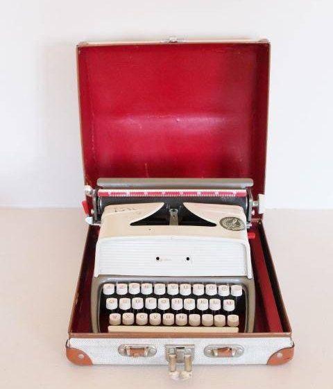 Machine à écrire vintage machine à écrire enfant par Brocencoeur
