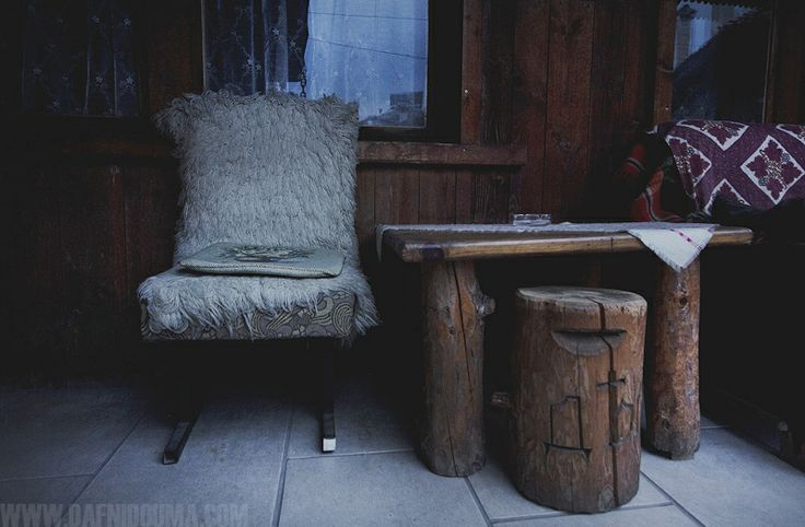 #bansko #bulgaria #travel #winter #cold #photography #dafni_douma #wooden #vacation #chair