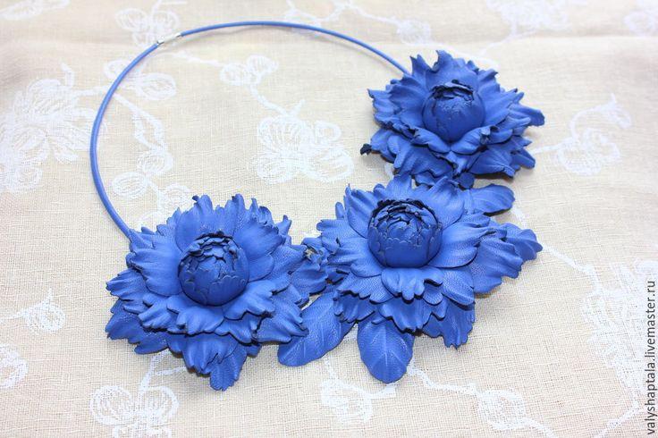 Купить Колье Васильковое - синий, колье, колье с цветами, колье из кожи, цветы из кожи