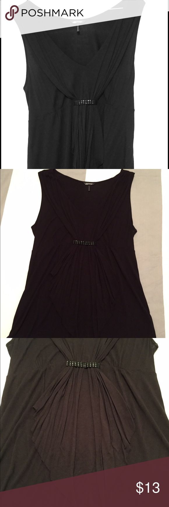Daisy Fuentes Sleeveless Shirt Daisy Fuentes black sleeveless shirt with gathered handkerchief hem in front. Material is 100% rayon. Shirt is gently worn. Daisy Fuentes Tops