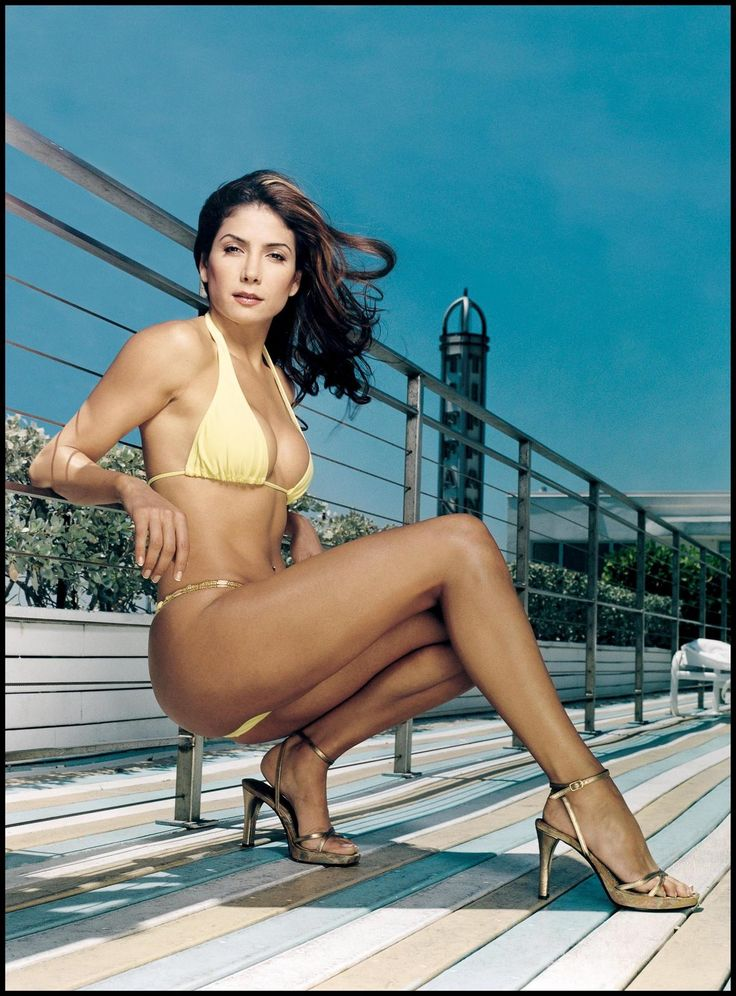 Patricia Manterola's Feet << wikiFeet