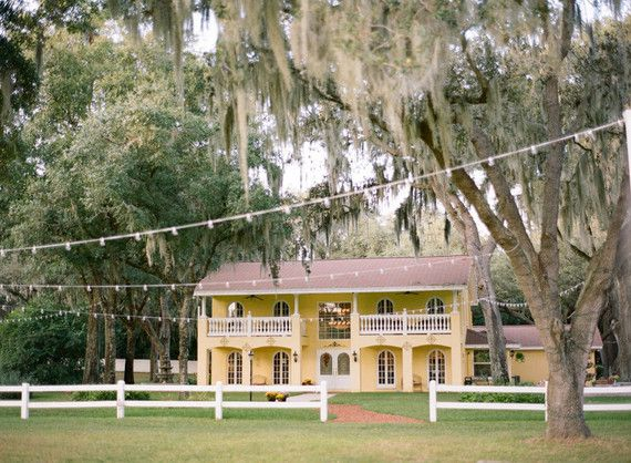 Casa Lantana wedding venue in Brandon, Florida | Vintage Flordia summer wedding