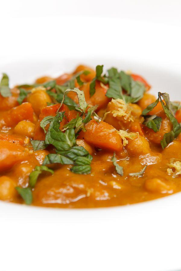 Kürbis-Kichererbsen-Curry mit Tahini