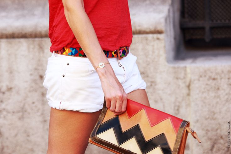 love the belt and clutchFashion, White Shorts, Red, Summer Looks, Style, Colors, Clutches Bags, Tribal Prints, Belts
