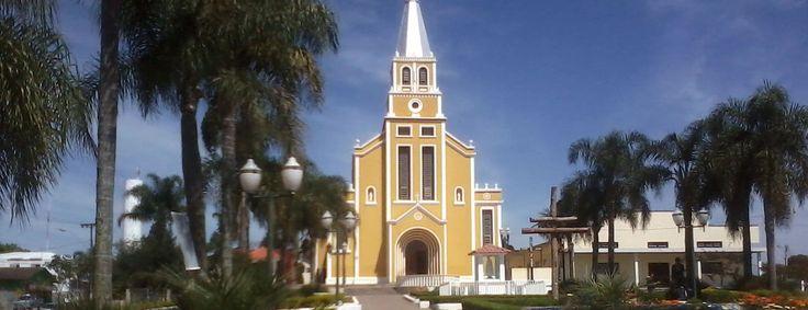 Igreja Matriz de Mandirituba. Avenida Brasil.