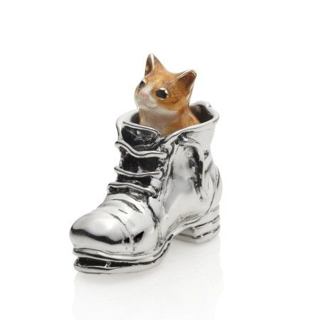 Puss in Boot Enamel - Sterling silver and hand painted vitreous enamel. Approx 3.5cm in size.