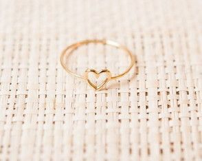Anelzinho de Coração em ouro 18k