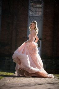 "Not a huge ""girly girl"" but how breathtaking is this pale pink Vera Wang gown??"