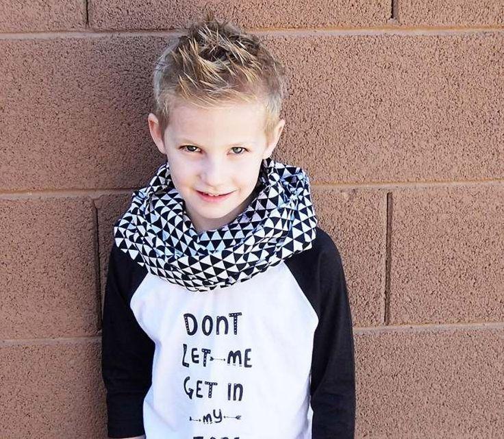 coiffure enfant pour petit garçon - coupe dégradée et stylisée en ...