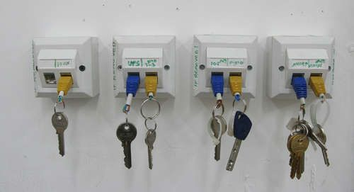 RJ-45 key chain and rack how to--perfect for my Geek friends! Old telephone ports + jacks=instant key holders!