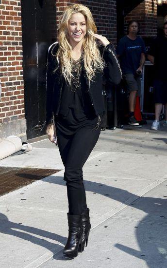 Shakira Style, Fashion & Looks - StyleBistro