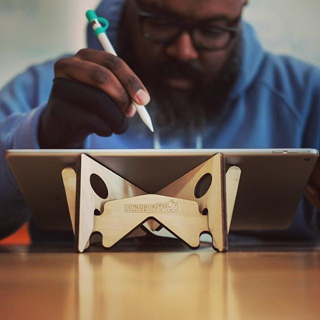 Always on the move, Illustrator & Adobe Educator, Robert Generette III @rob_zilla_iii , made KOLIBRI laptop & tablet stand a trusty companion for his iPad PRO design works. Robert says he chose the KOLIBRI stand over others for its lightness and portability. Check Robert's designs on his Instagram feed: https://www.instagram.com/rob_zilla_iii/  KOLIBRI laptop & tablet stand is now available in three finishes: natural wood, walnut and black water based stain. Read more / Shop…