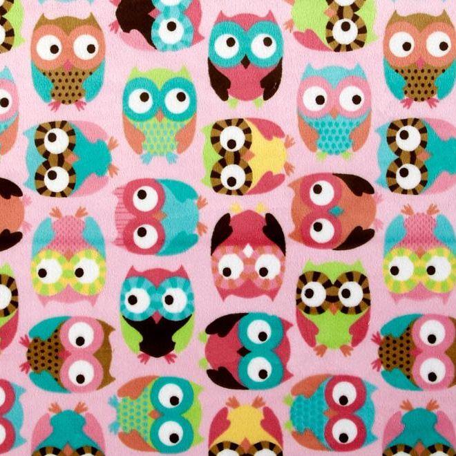 Superzachte minky, ideaal voor knuffels, sjaals, mutsen, dekentjes http://www.troispetitspois.nl/home/96-minky-uiltjes-roze.html
