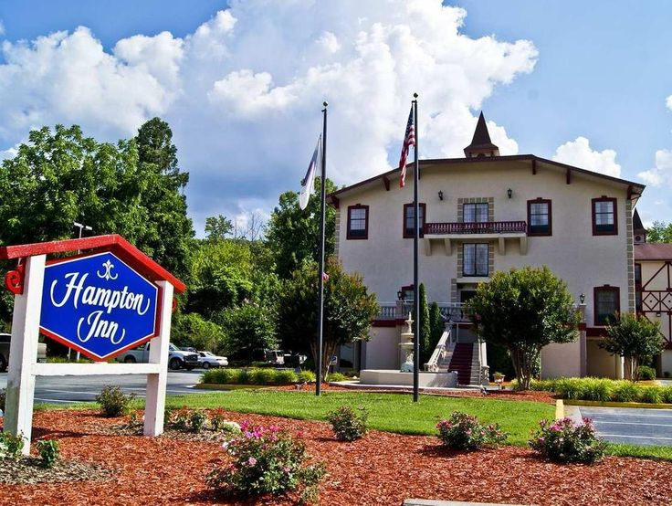 Helen (GA) Hampton Inn Helen United States, North America Hampton Inn Helen is a popular choice amongst travelers in Helen (GA), whether exploring or just passing through. The hotel offers a wide range of amenities and perks to ensure you have a great time. 24-hour front desk, facilities for disabled guests, express check-in/check-out, Wi-Fi in public areas, car park are on the list of things guests can enjoy. Comfortable guestrooms ensure a good night's sleep with some rooms ...