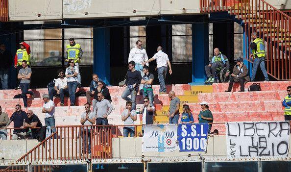Fans lazio ini pasti kecewa, karena tim mereka dibekuk tuan rumah Catania 3-1