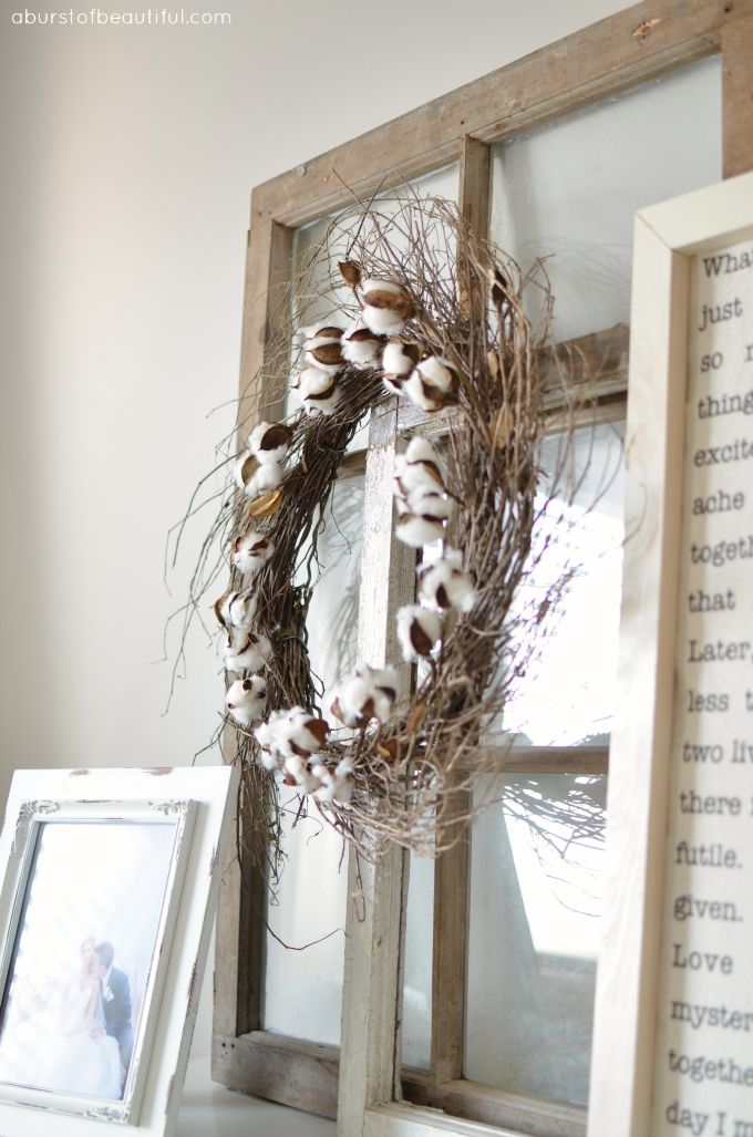 love to see these cotton bolls on this wreath
