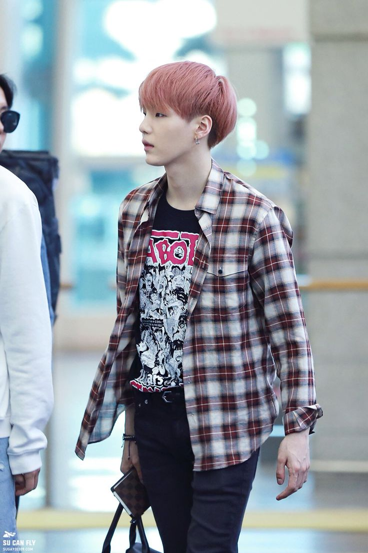 Suga 39 S Pink Hair My Love Pinterest Style Bts And Pink