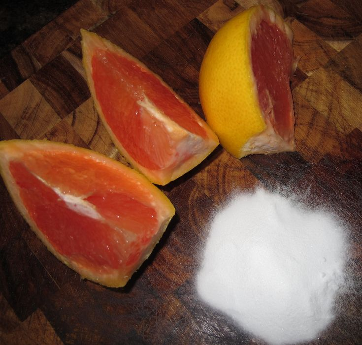 Use about 3 tablespoons of baking soda and mix in enough grapefruit juice to get a loose pasty texture. Then just rub on your skin, starting from your nose out to your forehead, cheeks and neck! You can let this sit for a couple minutes before rinsing, but your skin will feel soooo soft!