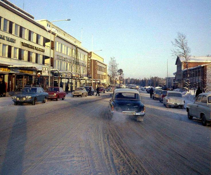 Joulukuun loppua 1965 Imatran keskusta kohti Mansikkalaa. Oikealla posti ja poliisi.