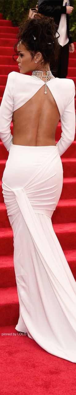 Rihanna 2014 Met Gala Red Carpet | |♥ Lovely~Madorie Darling ♥