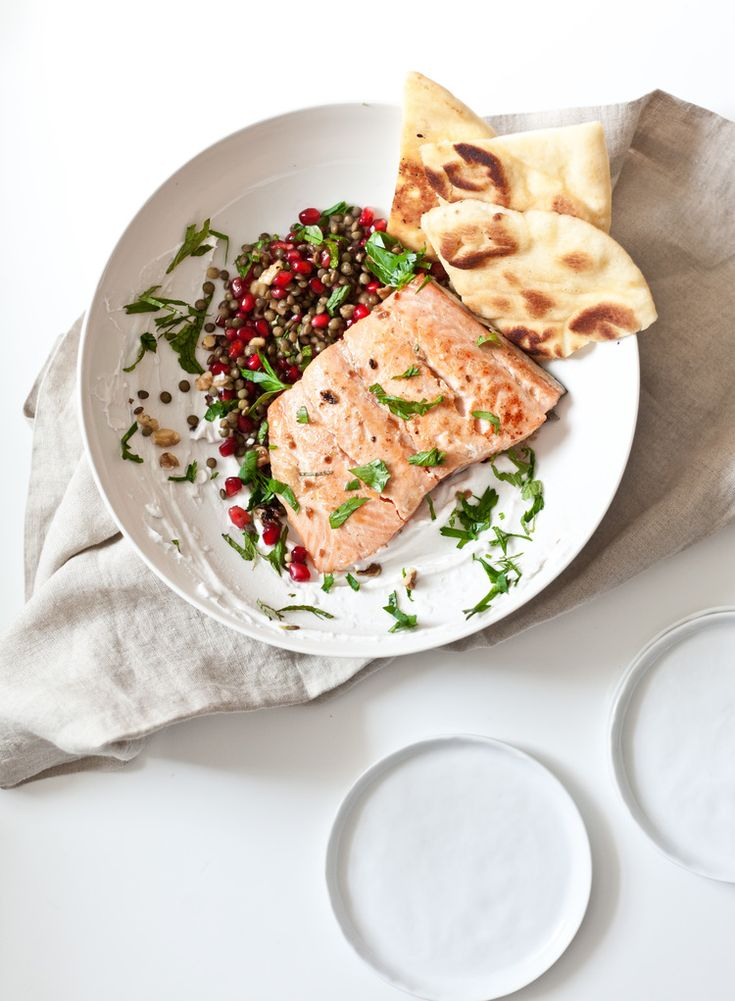 Pomegranate Lentil Salsa and Salmon Flatbread | Easy to Make | Delicious & Satisfying | Lentils have double the protein of a serving of quinoa | Lentils, like all pulses are packed with fiber & antioxidants and make nutritious, sustainable, affordable and delicious meals  #PulsePledge  client
