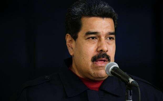 """<p>El presidente venezolano, Nicolás Maduro, planteó hoy con rotundidad la posibilidad de un diálogo con la oposición para un """"acuerdo de convivencia"""" antes de que sea """"tarde"""" y el chavismo se imponga sin matices en la Asamblea Nacional Constituyente (ANC) que debe elegirse el próximo domingo.</p>"""