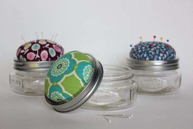 Wouldn't these be cute for friends that sew?  I'm thinking sewing retreat gifts:)