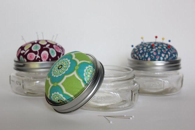 Mason jar pincushion: Masons, Sewing Projects, Pin Cushions, Gift Ideas, Diy Craft, Jar Pincushion, Pincushions, Mason Jars, Craft Ideas