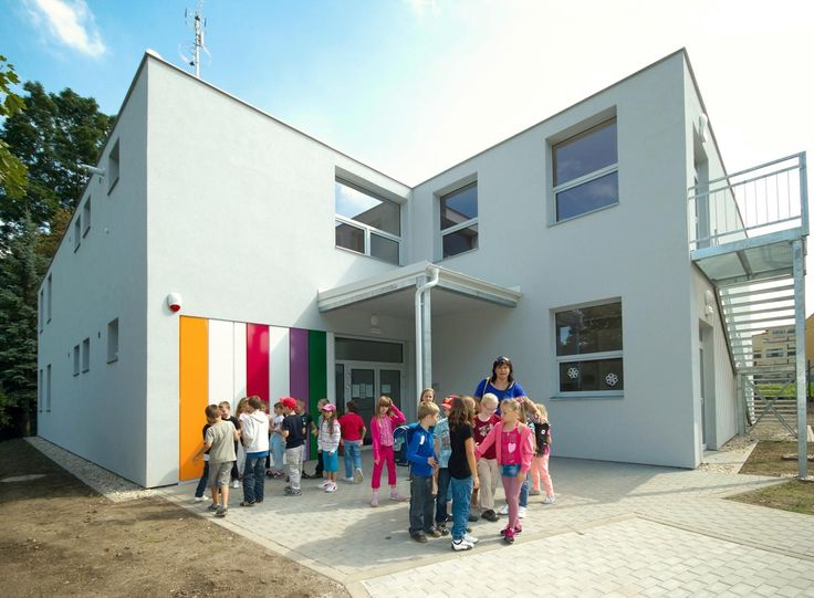Základní škola v Uhříněvsi, Praha, CZ | koma-modular.cz