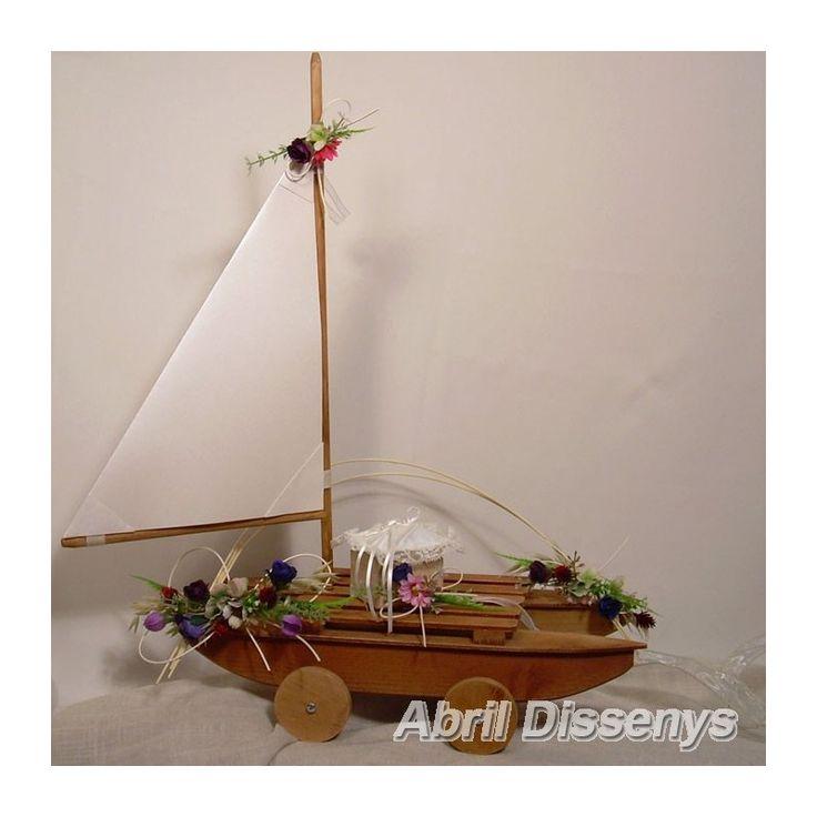 Barco de marquetería para anillos primavera, decorado con flores de primavera. Un de los complementos de boda ideales como porta anillos.