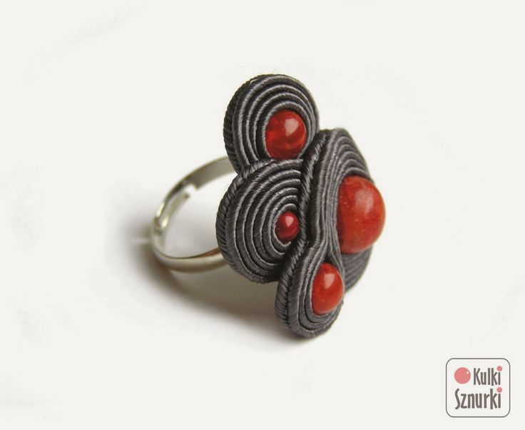 www.facebook.com/... Rękodzieło-biżuteria sutasz Handmade - Soutache jewellery. #ring #coral #pierscionek #koral #prezent #grey