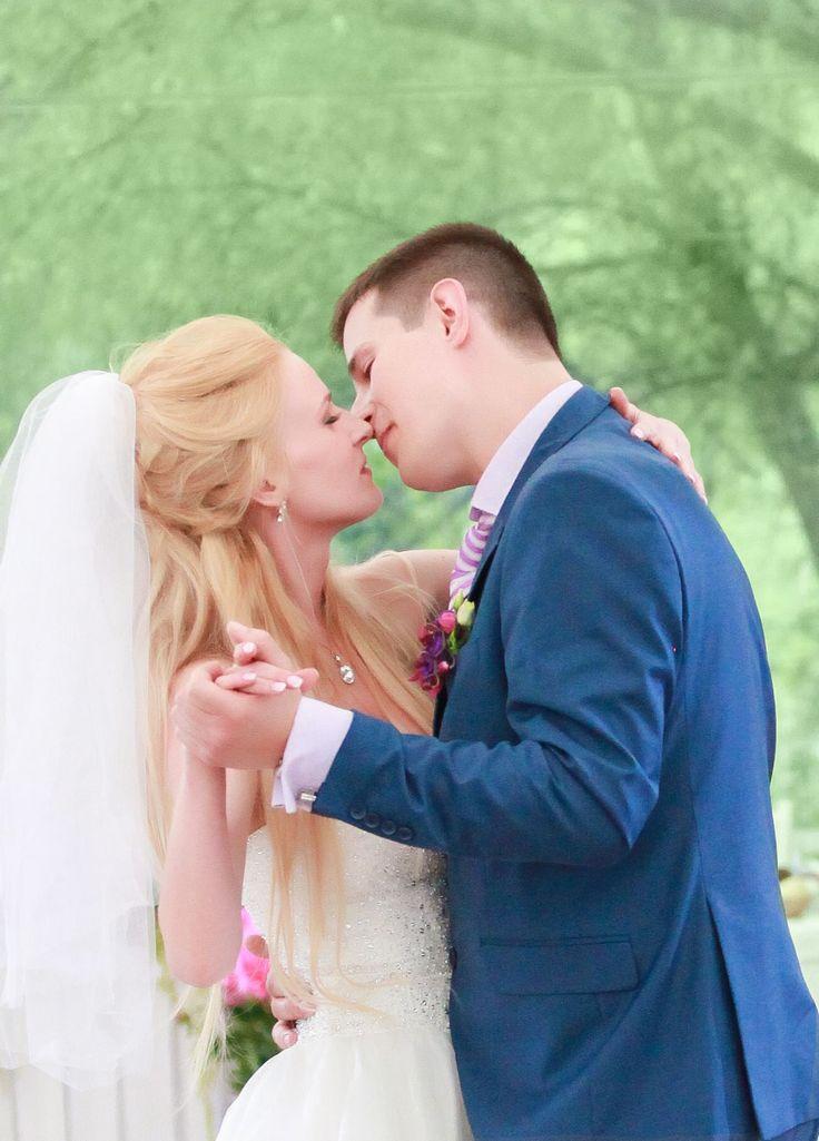 Первый танец на свадьбе.   Свадебное агентство Александры Фукс #aleksandrafuks   #проведениесвадьбы #организациясвадебногомероприятия #организоватьсвадьбу #организаторсвадеб #свадебноемероприятиевмоскве #свадебноемероприятиемосква #красиваясвадьба #найтисвадьбу #свадьбаключ #ценаорганизациисвадьбы #заказсвадьбыподключ #свадьбаподключцена #сколькостоитсвадьбаподключ