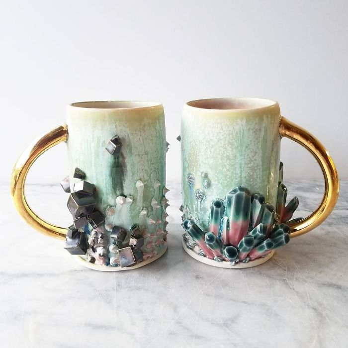 Self-Taught Artist Makes Dazzling Coffee Mugs Which Belong In Art Galleries