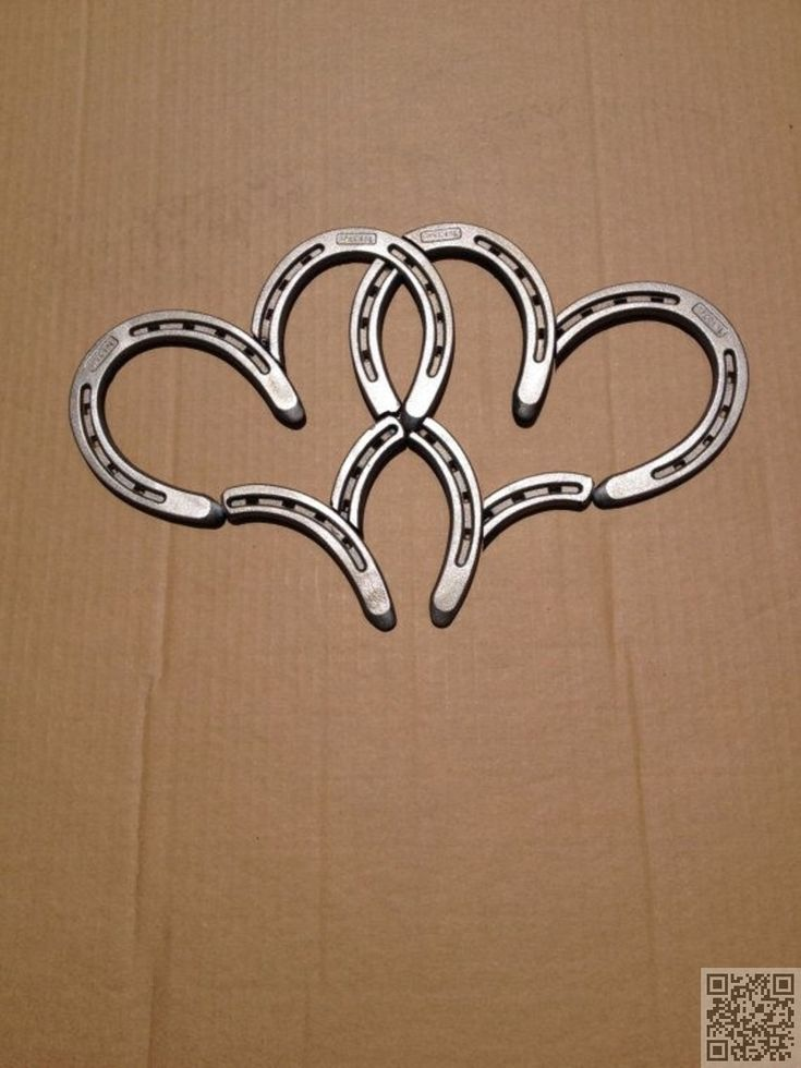 5. #Double Horse Shoe #Hearts - 37 Horseshoe Crafts to Try Your Luck with ... → DIY #Horseshoe