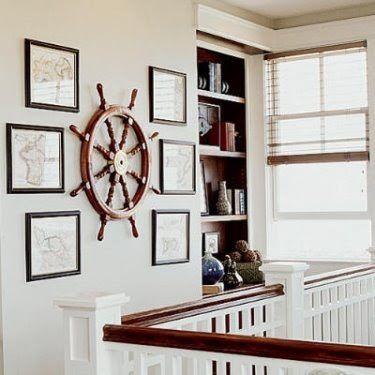 #Vastgoedstyling @Nobel Homes: Eerste verdieping met nautisch thema. Inspiratie voor aankleding van overloop na sauzen behang en vervangen vloerbedekking door een houtvloer.