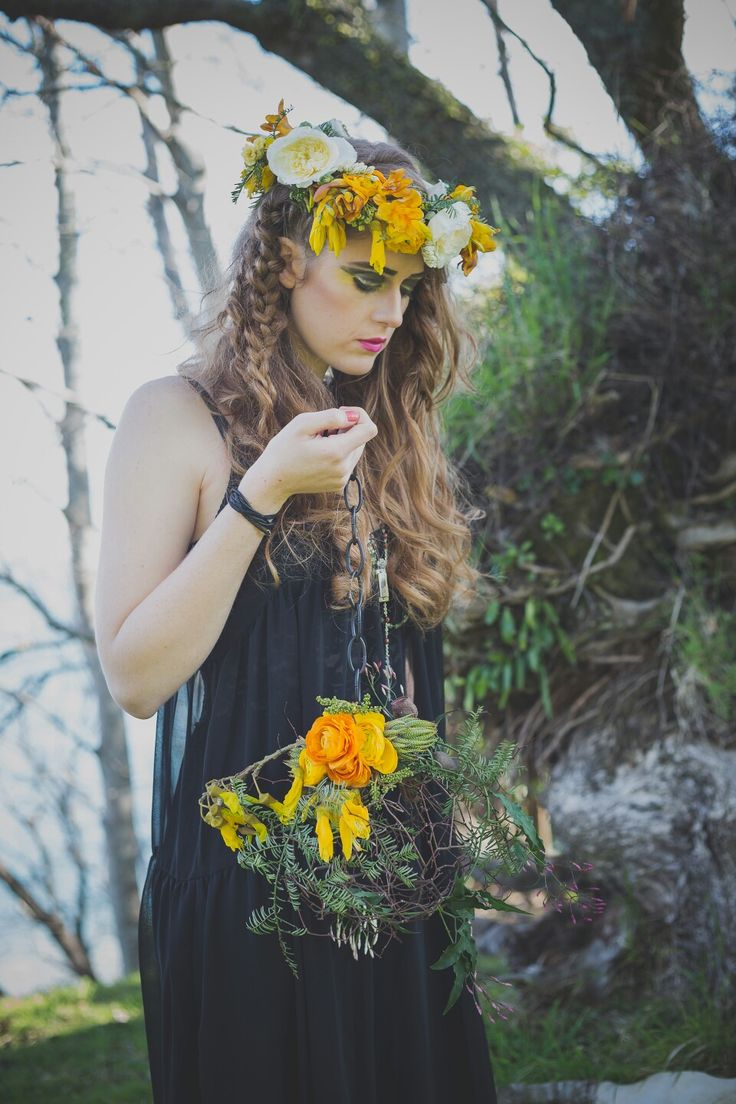 Flower crown and 'ball and chain' bouquet by febella flowers