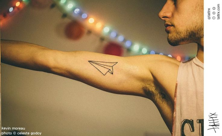 Kevin Moreau Tattoo - photo by Celeste Godoy - Paper Plane - Avion de Papel for Luciano