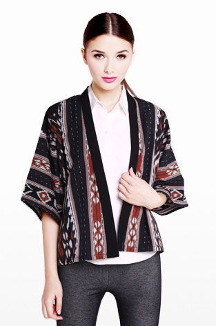 COTTON INK - Chocolate Tambora, NTT Tenun Jacket in Tribal Pattern. Handmade handwoven NTT Tenun in traditional pattern. Every yarn is dyed by hand, creating a nice colortone. Kimono sleeves. Slightly cropped. Boxy silhouette. Contrast bias band at neck