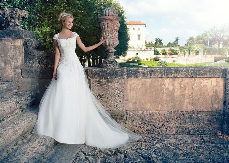 36 best Hochzeitskleider images on Pinterest | Outlets, Wedding ...
