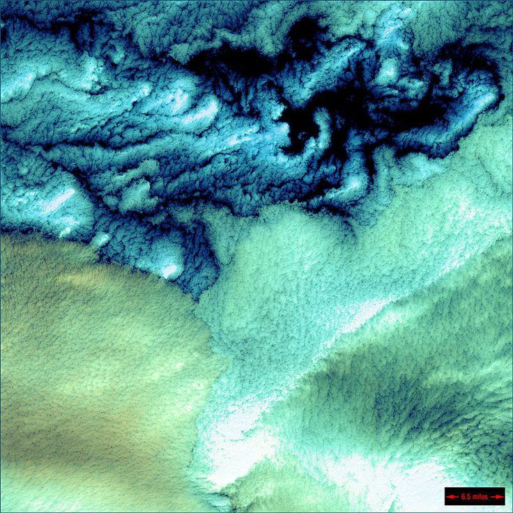 アリューシャン列島を空から見た図が幻想的。