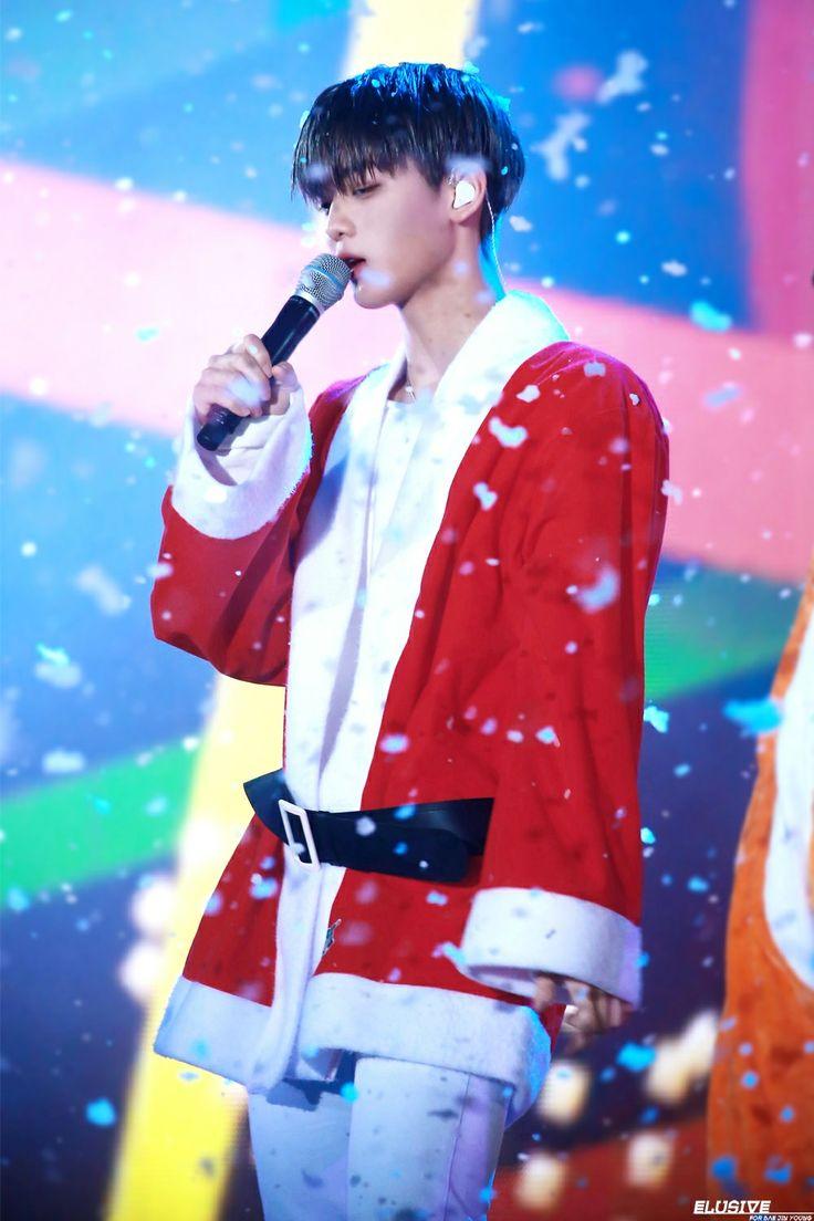 Ho Ho Ho! I'm Santa Bae Jinyoung!