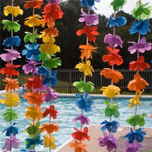 Buen tiempo, refrescos, buen rollo a tope Hawaii!!  Una fiesta de lo más apetecible ... fresquita, original y ante todo divertida!! http://www.airedefiesta.com/product/2544/0/0/1/1/Cortina-de-tiras-Independientes-Luau-Flower.htm