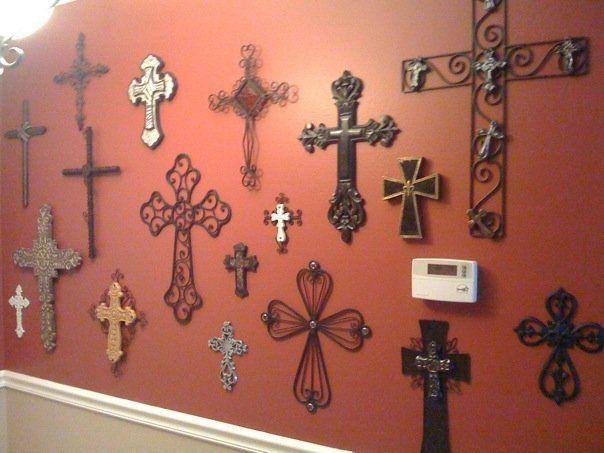Best 25 cross wall collage ideas on pinterest rustic for Cross wall decor ideas