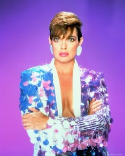 Linda Gray played Sue Ellen Ewing in the original TV series Dallas... see what she is doing now...