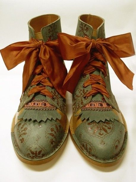 shoes, boots, hippie, vintage, vintageboots, vintage boots, mori, fairy boots, ribbons, laces, olive boots, forest, indie, indian, indian boots, green - Wheretoget